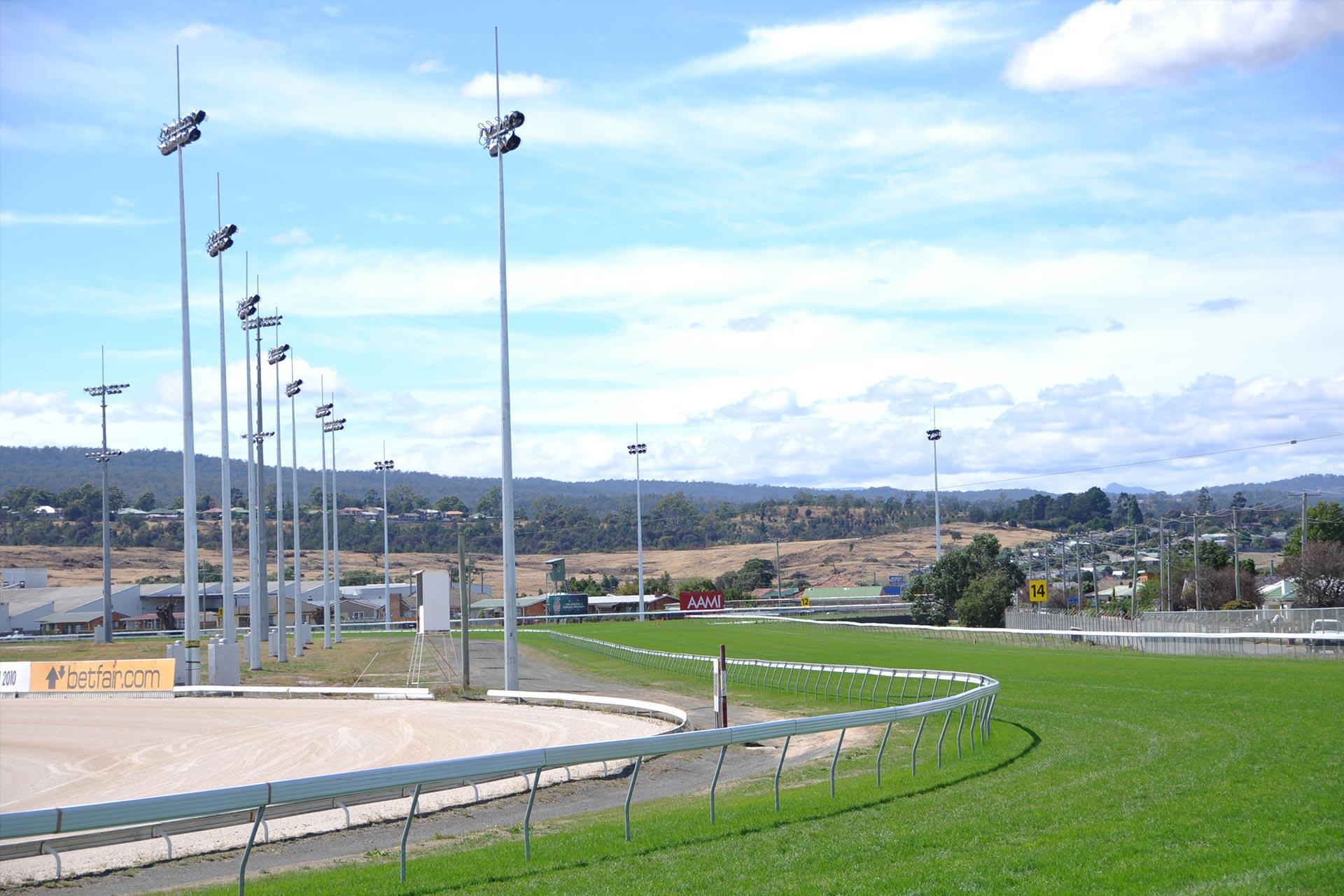 tote-racing-australia-2